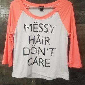 Messy hair dont care t-shirt